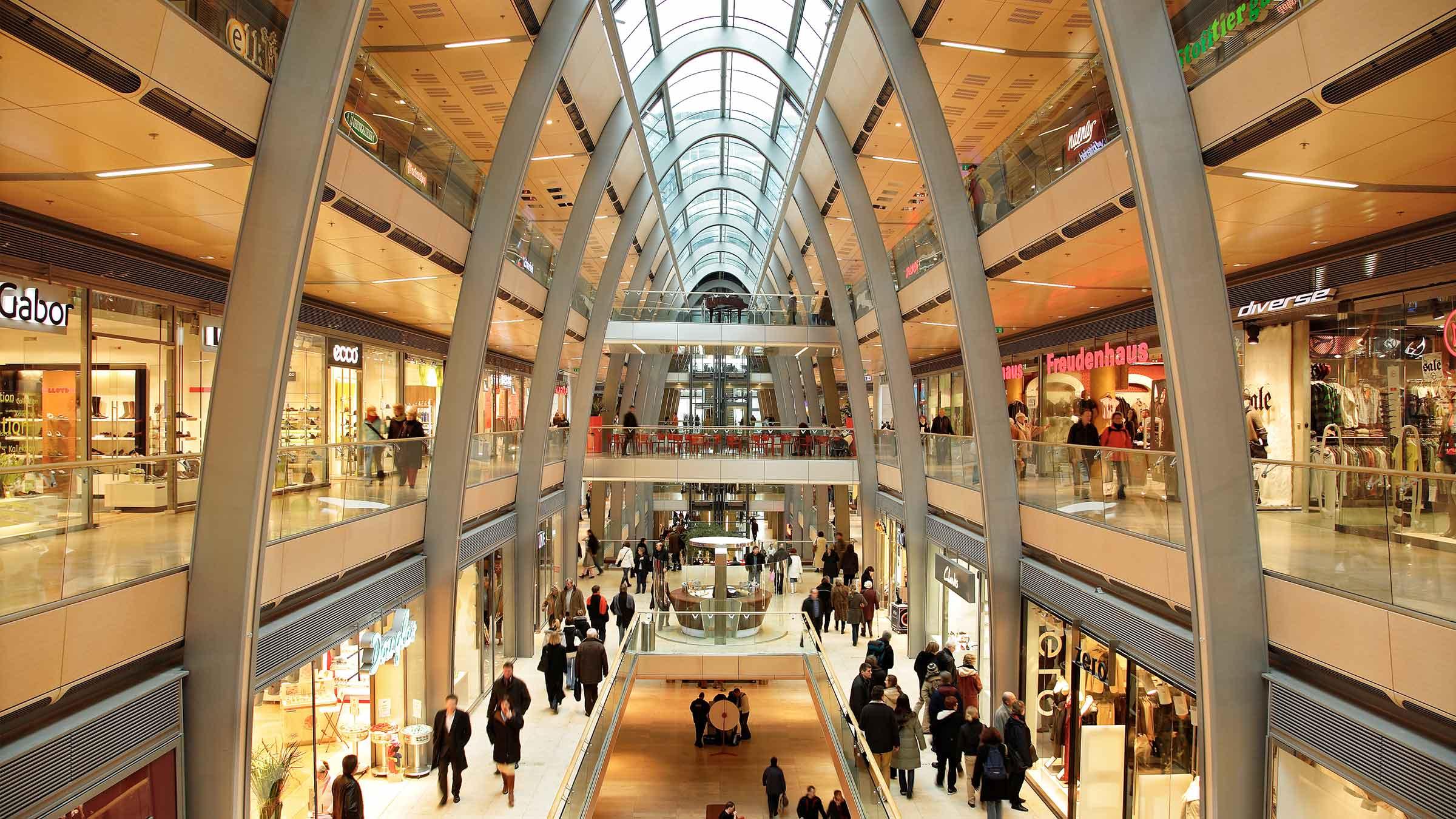 Parkhaus Hamburg Innenstadt : bin europa passage einkaufszentrum b ro parkhaus ~ Watch28wear.com Haus und Dekorationen